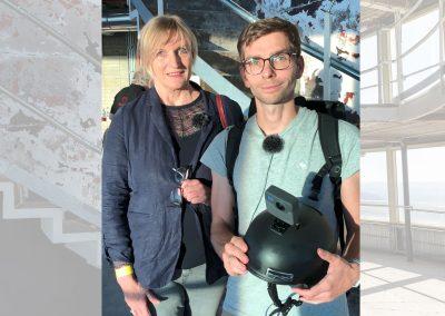 Bettina Klemm und Fabian Deicke führen durch das 360-Grad-Video, das mit einer Helmkamera aufgenommen wurde.